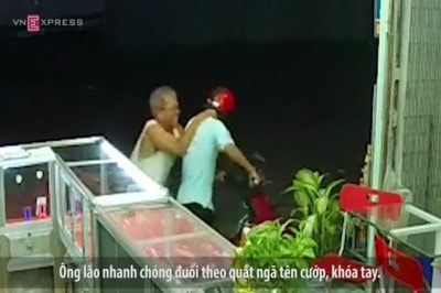 Cụ ông 70 tuổi bắt cướp iphone 6