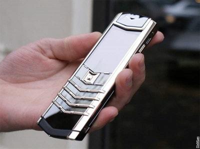 Điện thoại Vertu gần 1 tỷ đồng