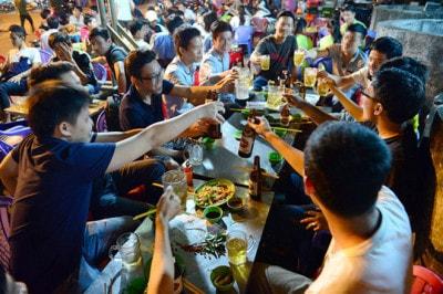Người Việt Nam uống bia đứng thứ 3