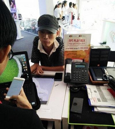 Người đàn ông ở Bình Dương mua iphone 7