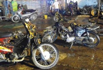 Cháy lớn thiêu trụi 40 xe máy