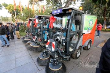 Siêu xe tiền tỷ dọn rác