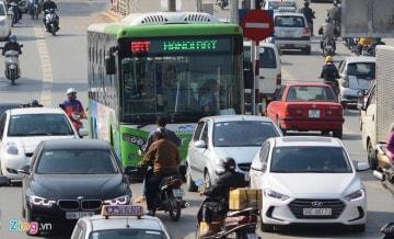 Xe bus nhanh chạy thử nghiệm